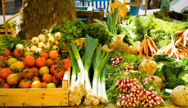 Fresh produce at an outdoor farmers market