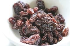 """alt=""""Dried Raisins"""""""