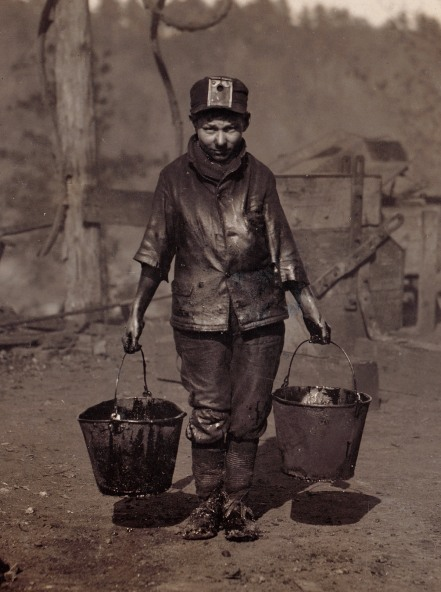 Shorpy Higginbotham, a greaser in a Coal Mine. Location: Bessie Mine, Alabama. November 1910. (Courtesy Shorpy.com | Library of Congress)