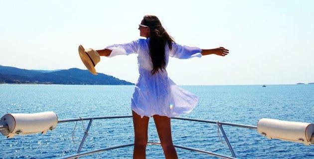 Explore the beautiful coastline of Halkidiki by boat. (Image credit: Eagles Palace)