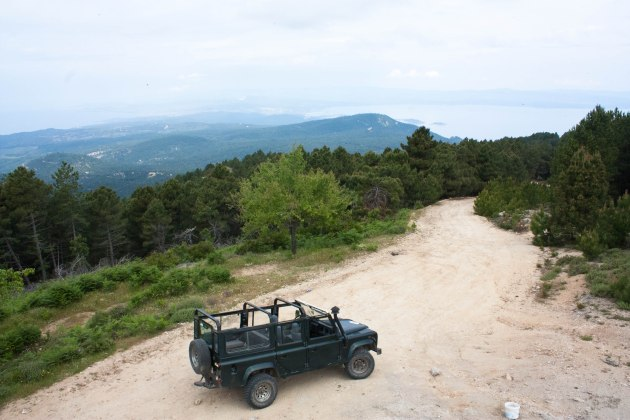 Travel with Stratos on a Jeep Safari through the rugged hills of Sithonia