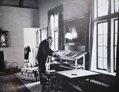 Winston Churchill at his stand up desk. Courtesy Library of Congress