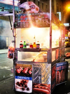 Classic New York street food: 'dogs'