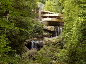 Frank Lloyd Wright's masterpiece: Fallingwater in rural Pennsylvania (Credit: Wikimedia Commons)