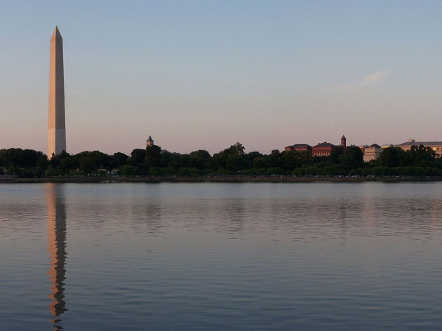 Views of national pride encompass you at the DC Tidal Basin (Credit: Wikimedia Commons)