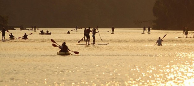 Paddler's hit the Potomac for sunset paddling. (Credit: Boating in DC)