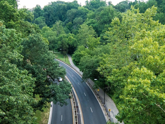 Aerial view of Rock Creek Park Trail — the vein of passage between northern DC and the downtown monuments and landmarks. (Credit: Wikimedia Commons)